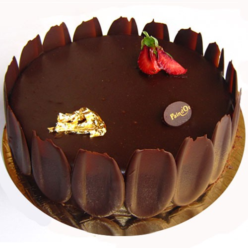 Supreme Chocolate Cake with Strawberry